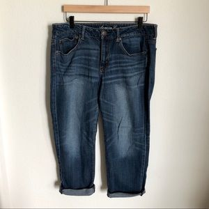 AMERICAN EAGLE Boy Fit Dark Wash Crop Jeans